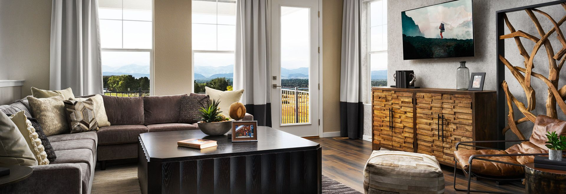 Crescendo Collection Plan 2201 Great Room