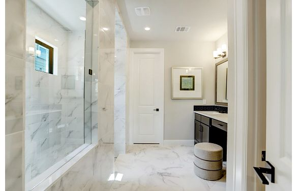 Harper's Preserve Plan 5029 Primary Bathroom
