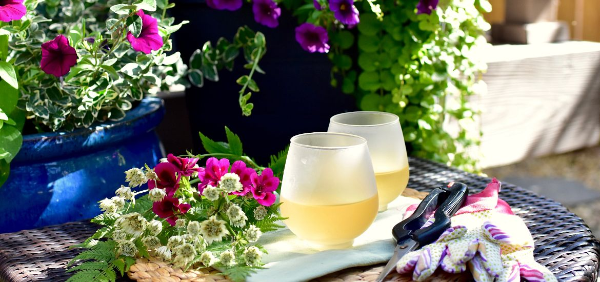 Outdoor Patio Flowers Table Getty Images