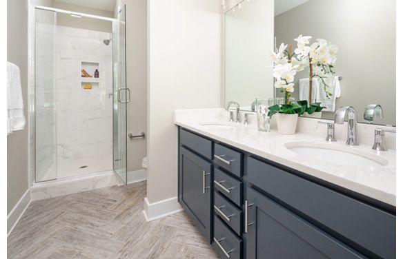 Cambria plan Owner's Bath
