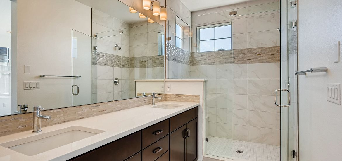 Crescendo Plan 2202 Master Bath