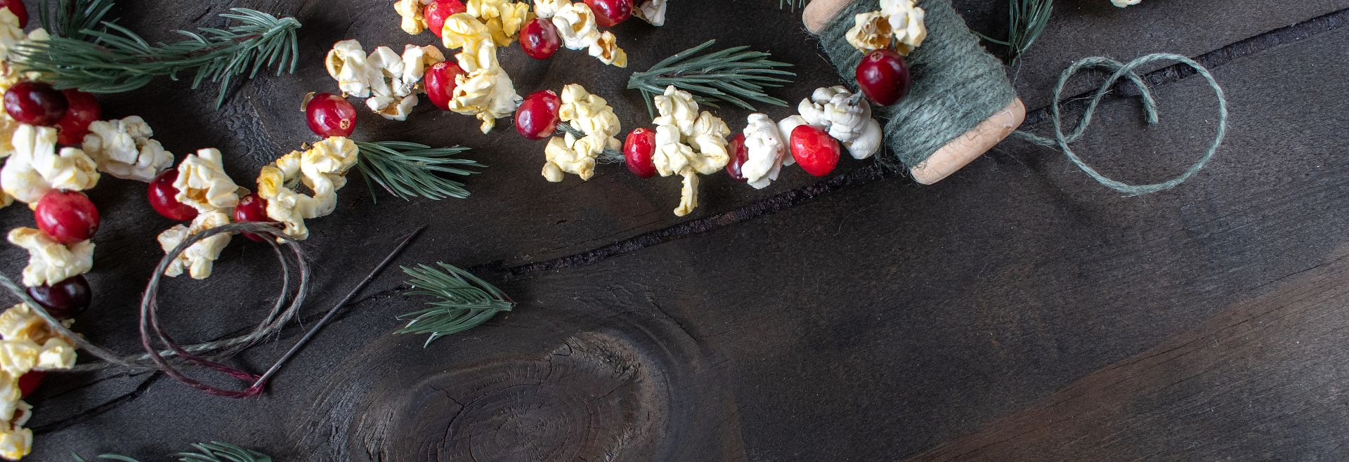 Cranberry and Popcorn Garland Getty Images