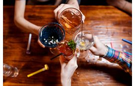 Blog Summer Cocktails Friends